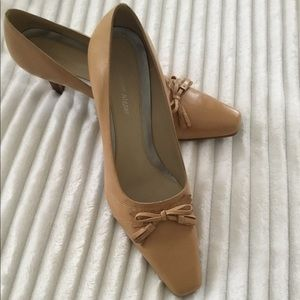 Etienne Aigner gorgeous leather heels.